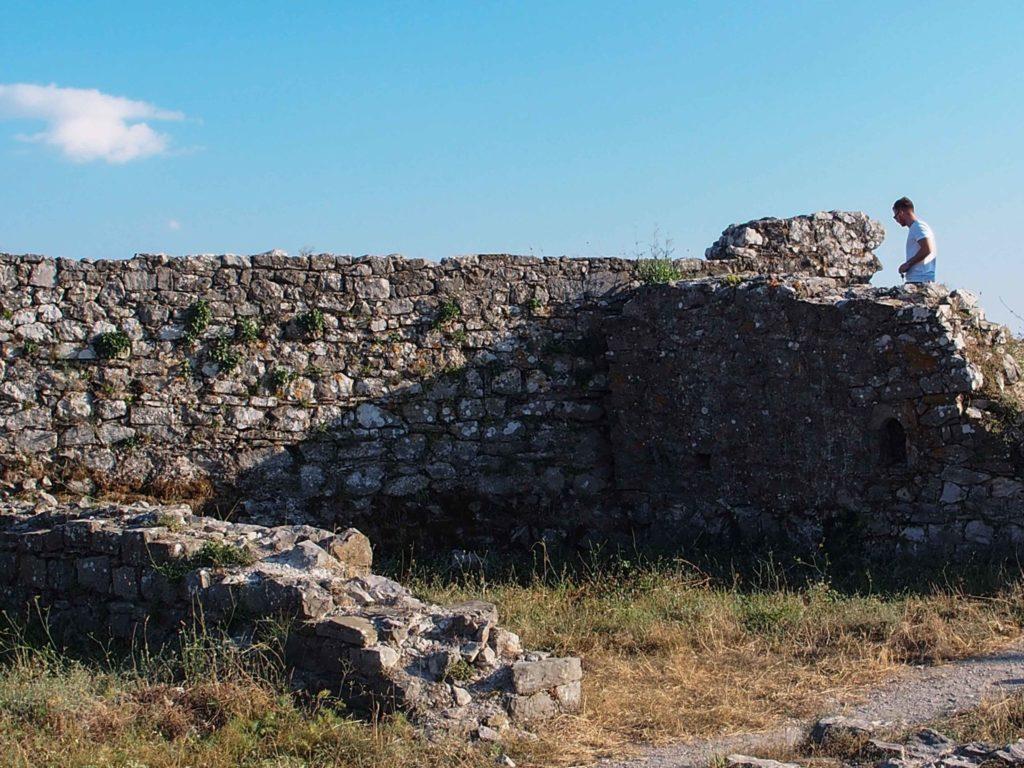 rozafa castello rovine scutari albania fortezza shqiperia shkoder colle
