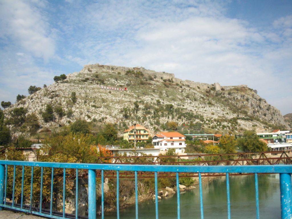 rozafa castello scutari albania fortezza shqiperia shkoder colle